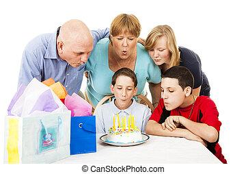 famiglia, soffio, fuori, candele compleanno