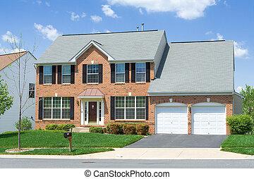 famiglia sola, davanti casa, vista, mattone, suburbano, md