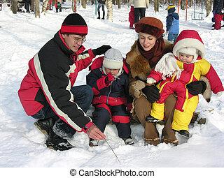 familia cuatro, en, invierno
