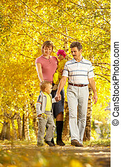 familia , en, caminata