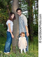 familia feliz, en, un, parque