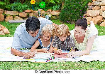 familia feliz, pintura, en, un, parque