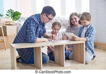 familia joven, el montar, guardarropa
