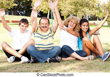 familia joven, tener diversión, en, el, naturaleza