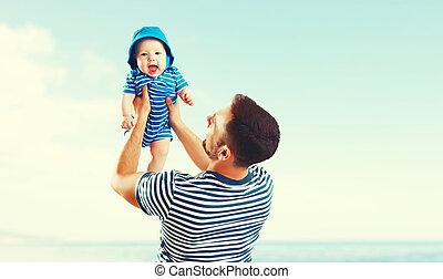 familia , padre, hijo, ocaso, mar, bebé, playa, feliz