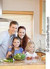 familia , posición, en la cocina