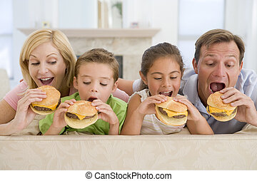 familia que come, cheeseburgers, juntos