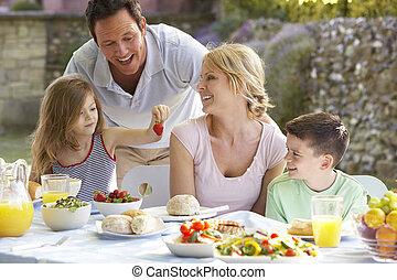 familia que come, un, fresco de al, comida