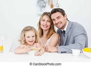 familia , teniendo, desayuno, juntos