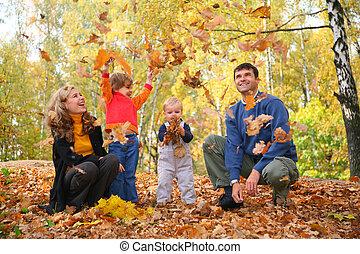 familia , tiro, otoñal, hojas