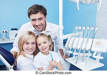 familias, en, el, oficina dental