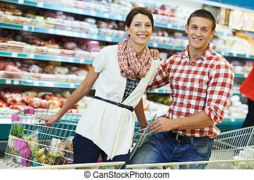 familie, an, nahrungsmittel einkaufen, in, supermarkt