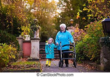 familie bezoeken, walker, senior, het genieten van, dame