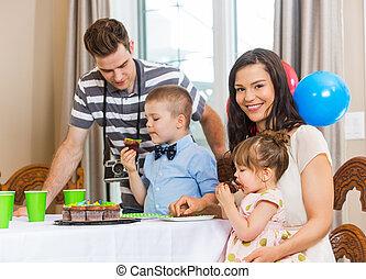 familie, fejr, fødselsdag, hjem hos