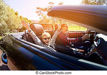 familie, in, umwandelbares auto