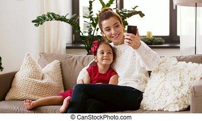 familie, nehmen, selfie, per, smartphone, hause