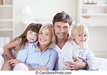 familie, omfavne