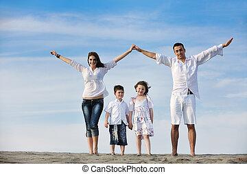 familie op strand, het tonen, thuis, meldingsbord