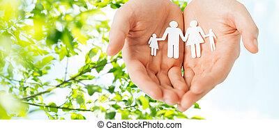 familie, papier, halten hände, freisteller, mann