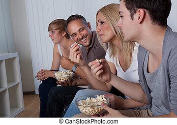 familj, åskådande television