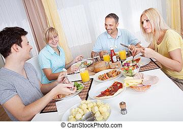 familj, avnjut, a, måltiden, tillsammans