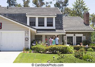 familj, vinka, utanför, hus