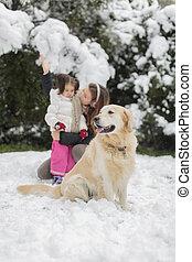 famille, à, a, chien, à, hiver
