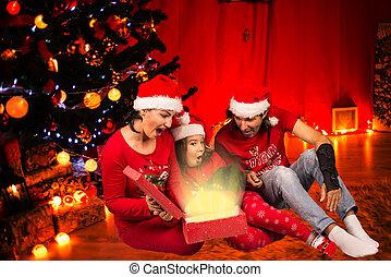 famille, cadeau, ouvert, noël, magie, heureux