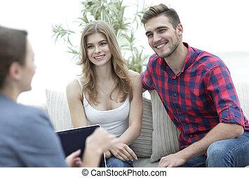 famille, couple, jeune, psychologue, séance, thérapie, heureux