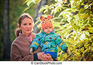 famille, elle, ensoleillé, parc, fils, automne, maman, jour, heureux