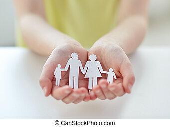famille, enfant, haut, papier, mains, fin, coupure
