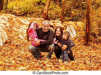 famille, gai, automne, bois