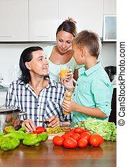 famille heureuse, cuisine
