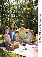 famille heureuse, picnic.
