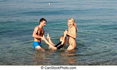 famille, jeune, amusement, portrait, plage, avoir