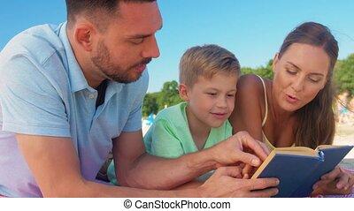 famille, lecture, été, plage, livre