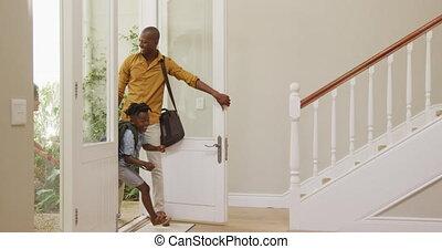 famille, leur, entrer, maison, deux, génération