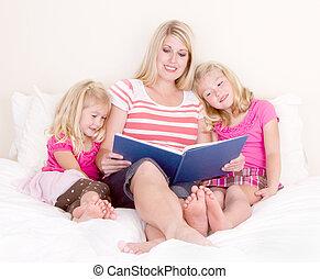 famille, livre, lecture, lit