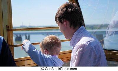 famille, panoramique, wheel., promenade, ferris, heureux, ...