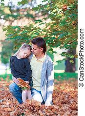 famille, parc, automne, jour chaud, heureux
