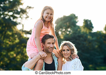 famille, parc, trois, apprécier, jour, heureux