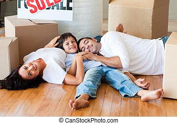 famille, plancher, maison, boîtes, nouveau, mensonge