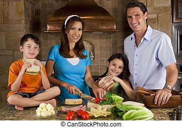 famille, sain, séduisant, faire sandwichs, cuisine