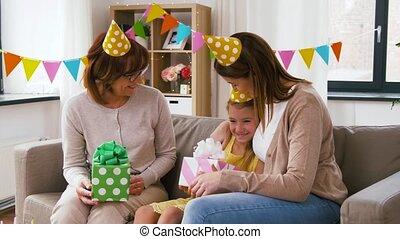 famille, salutation, anniversaire, maison, fille partie