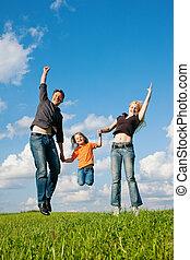 famille, sauter, sur, pré, dans, été