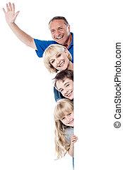 famille, whiteboard, quatre, derrière, vide, joyeux