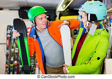 Family are choosing modern ski