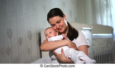 family., haar, baby, bedroom., hartelijk, vrolijke , moeder het spelen