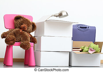 People are moving in to new house with children