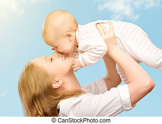 family., sky, mor, baby, kyssande, lycklig